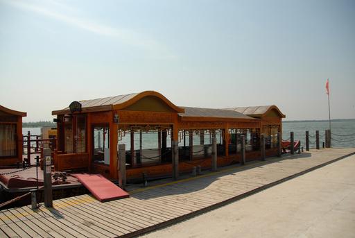 明珠湖にて_遊覧船